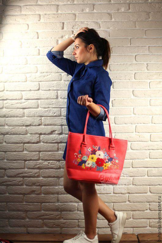 Женские сумки ручной работы. Ярмарка Мастеров - ручная работа. Купить Сумка. Handmade. Сумка для девушки, сумка с принтом, кожзам