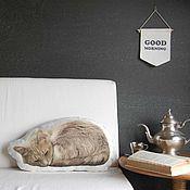 Подарки к праздникам ручной работы. Ярмарка Мастеров - ручная работа Подушка Кошка по фотографии – подарок на новый год. Handmade.
