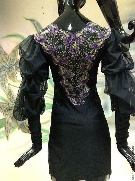 """Платья ручной работы. Ярмарка Мастеров - ручная работа. Купить Платье вышитое """"Фиолетовые перья"""" стрейч, с расшитой спиной и рукавами. Handmade."""