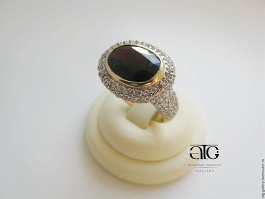 Роскошное золотое кольцо с крупным гранатом!