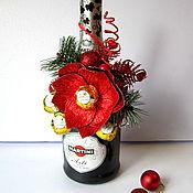 Подарки к праздникам ручной работы. Ярмарка Мастеров - ручная работа Новогоднее украшение на шампанское. Handmade.