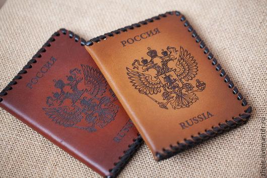 Обложки ручной работы. Ярмарка Мастеров - ручная работа. Купить Обложка для паспорта с орлом, из кожи. Handmade. Коричневый, подарок мужчине