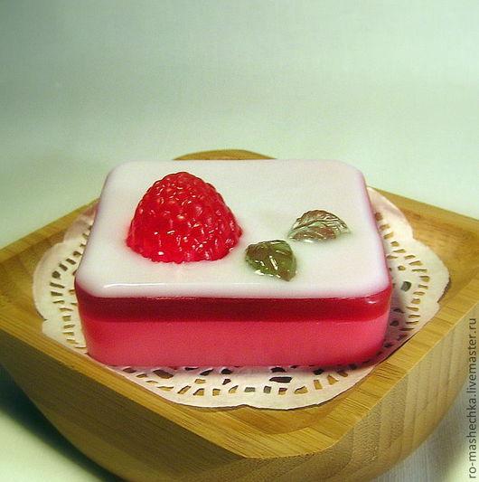 """Мыло ручной работы. Ярмарка Мастеров - ручная работа. Купить Мыло """"Десерт с малиной"""". Handmade. Розовый, мыло ручной работы"""