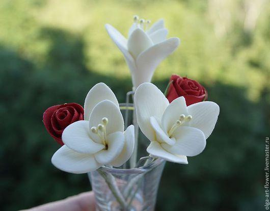 Свадебные украшения ручной работы. Ярмарка Мастеров - ручная работа. Купить Шпильки с цветами Фрезии, Роз, украшение в прическу из глины. Handmade.