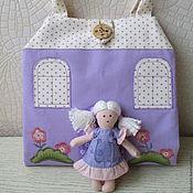 Куклы и игрушки ручной работы. Ярмарка Мастеров - ручная работа Сиреневый кукольный домик-сумочка. Handmade.