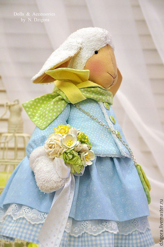 Игрушки животные, ручной работы. Ярмарка Мастеров - ручная работа. Купить Овечка в небесно - голубом текстильная интерьерная игрушка. Handmade.