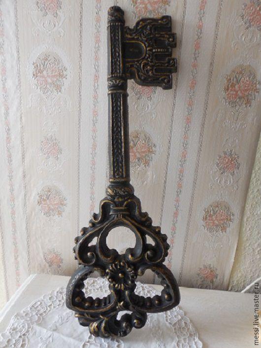 Винтажные предметы интерьера. Ярмарка Мастеров - ручная работа. Купить Винтажный ключ от города, большой сувенирный ключ. Handmade. Черный