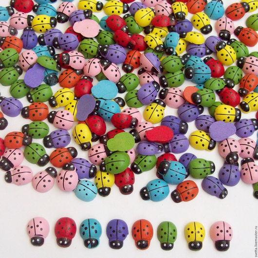 Другие виды рукоделия ручной работы. Ярмарка Мастеров - ручная работа. Купить Набор деревянных разноцветных божьих коровок (12 штук). Handmade.