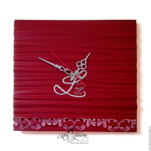 """Часы для дома ручной работы. Ярмарка Мастеров - ручная работа. Купить Часы """"Live, Laugh, Love"""". Handmade. Ярко-красный"""