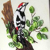 """Картины и панно ручной работы. Ярмарка Мастеров - ручная работа Миниатюра """" Дятел на дереве"""" вышивка лентами и гладью. Handmade."""