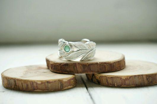 Кольца ручной работы. Ярмарка Мастеров - ручная работа. Купить Женское кольцо из серебра с изумрудом и аметистом. Handmade. Кольцо изумруд