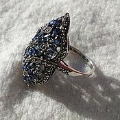 Эффектное кольцо с сапфирами, синий сапфир
