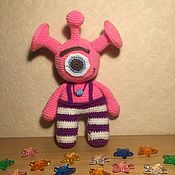 Мягкие игрушки ручной работы. Ярмарка Мастеров - ручная работа Инопланетянин вязаный крючком. Handmade.