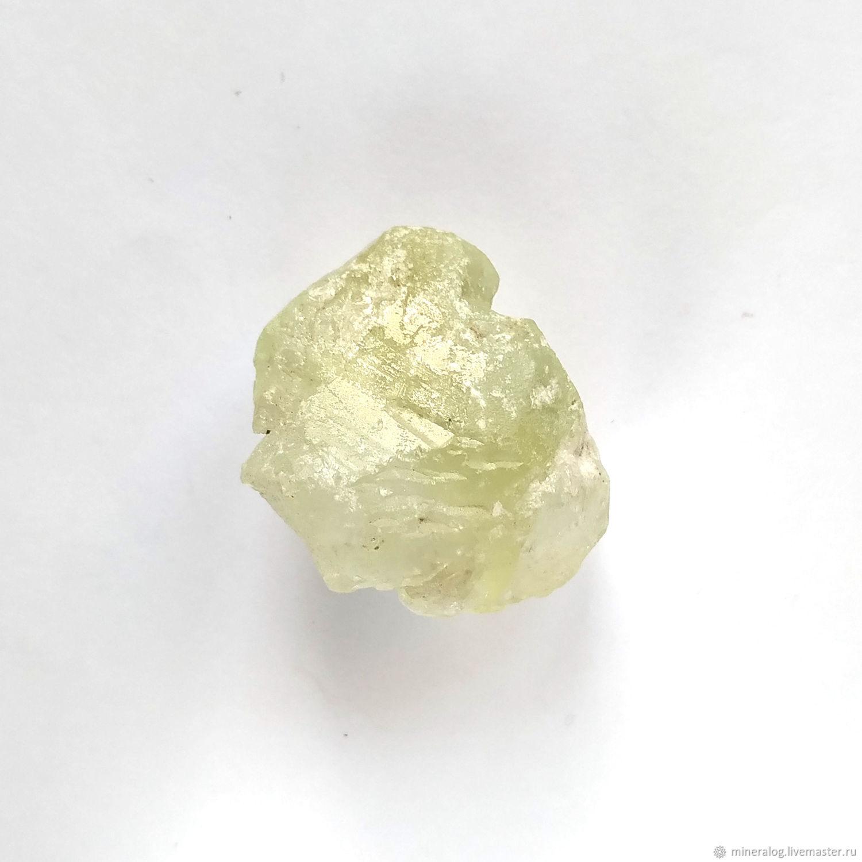 Датолит минерал, натуральный кристалл цвета Лайм, Минералы, Москва,  Фото №1