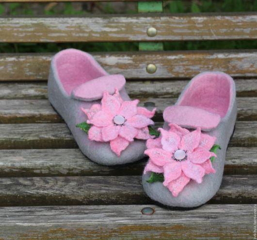 """Обувь ручной работы. Ярмарка Мастеров - ручная работа. Купить валяные тапочки """"РОЗОВОЕ НАСТРОЕНИЕ"""". Handmade. Бледно-розовый, подошва"""