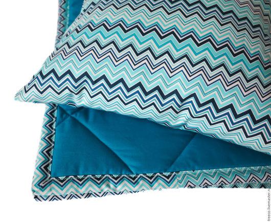 Пледы и одеяла ручной работы. Ярмарка Мастеров - ручная работа. Купить Стеганое покрывало с двумя подушками. Handmade. Синий