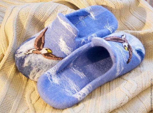 """Обувь ручной работы. Ярмарка Мастеров - ручная работа. Купить Мужские валяные тапки """"Орлики"""". Handmade. Голубой, тапочки для мужчины"""