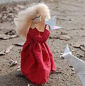 Куклы и игрушки ручной работы. Ярмарка Мастеров - ручная работа Журавлик в руках  текстильная кукла. Handmade.