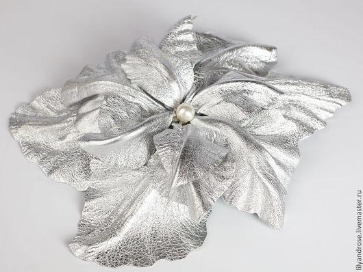 Броши ручной работы. Ярмарка Мастеров - ручная работа. Купить Серебряная кожаная орхидея. Handmade. Кожаная брошь, брошь из кожи