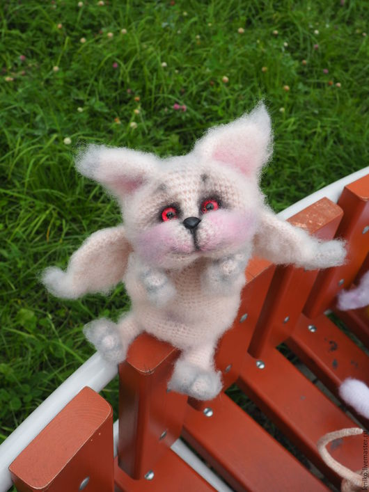 Игрушки животные, ручной работы. Ярмарка Мастеров - ручная работа. Купить вязаный кот. Котик-ангел Зефир(она сказала, что она девочка). Handmade.