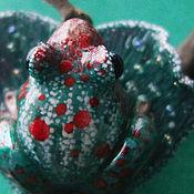 """Украшения handmade. Livemaster - original item Брошь """"Сердце Изумрудного леса"""" (миниатюра с лягушкой). Handmade."""