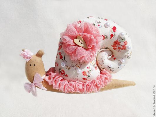 Куклы Тильды ручной работы. Ярмарка Мастеров - ручная работа. Купить Улитка Рози в стиле Тильда. Handmade. Розовый