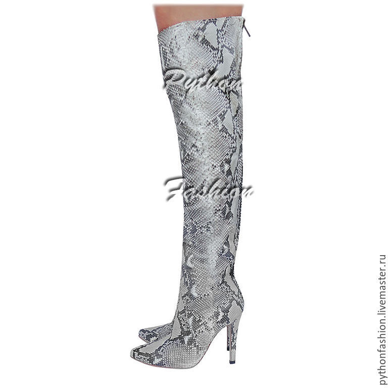 Shoes from Python. Designer boots from Python zip. Copyright women's handmade shoes. Thigh boots with Python skin on the heel. Fashion boots Python skin. Soft boots from Python.