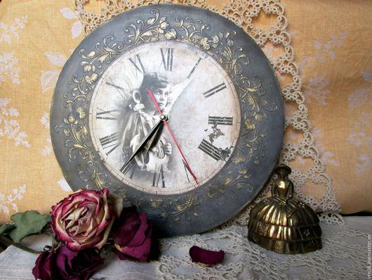 """Часы для дома ручной работы. Ярмарка Мастеров - ручная работа. Купить Двусторонние  """"Старинные часы еще идут...""""  d 30 cм. Handmade."""