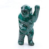 Обезьянка из уральского малахита. Фигурка обезьяны