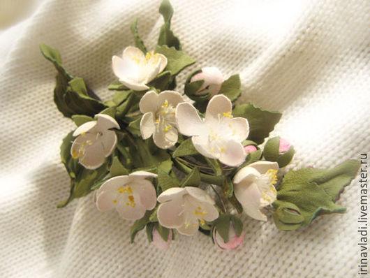 цветы из кожи, украшение брошь заколка для волос яблоневый цвет,брошь розовые цветы,ободок для волос, браслет женский на руку, ободок с цветами ,брошка яблоневый цвет