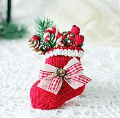"""Украшения ручной работы. Ярмарка Мастеров - ручная работа Брошь"""" Рождественский носочек"""" брошь ручной работы. Handmade."""