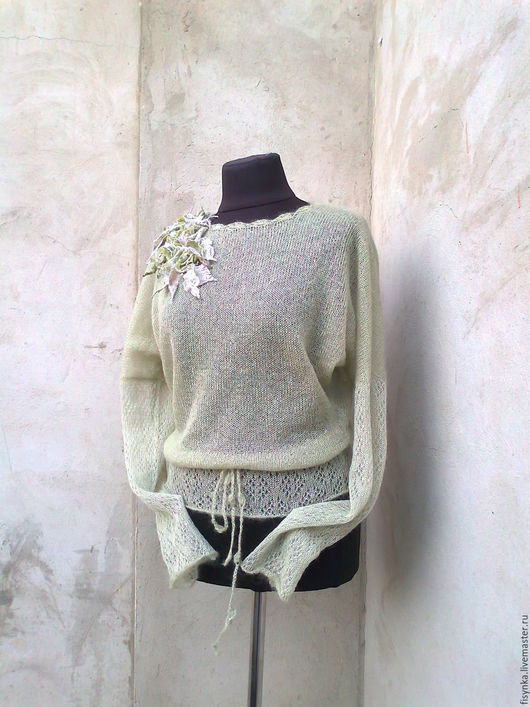 Красивый женский свитер доставка