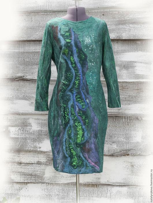 Большие размеры ручной работы. Ярмарка Мастеров - ручная работа. Купить Платье Изумруд валяное на шелке с длинными рукавами. Handmade.