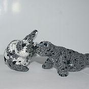 Куклы и игрушки ручной работы. Ярмарка Мастеров - ручная работа Вязаные влюблённые тюлени. Игрушка тюлень. Handmade.