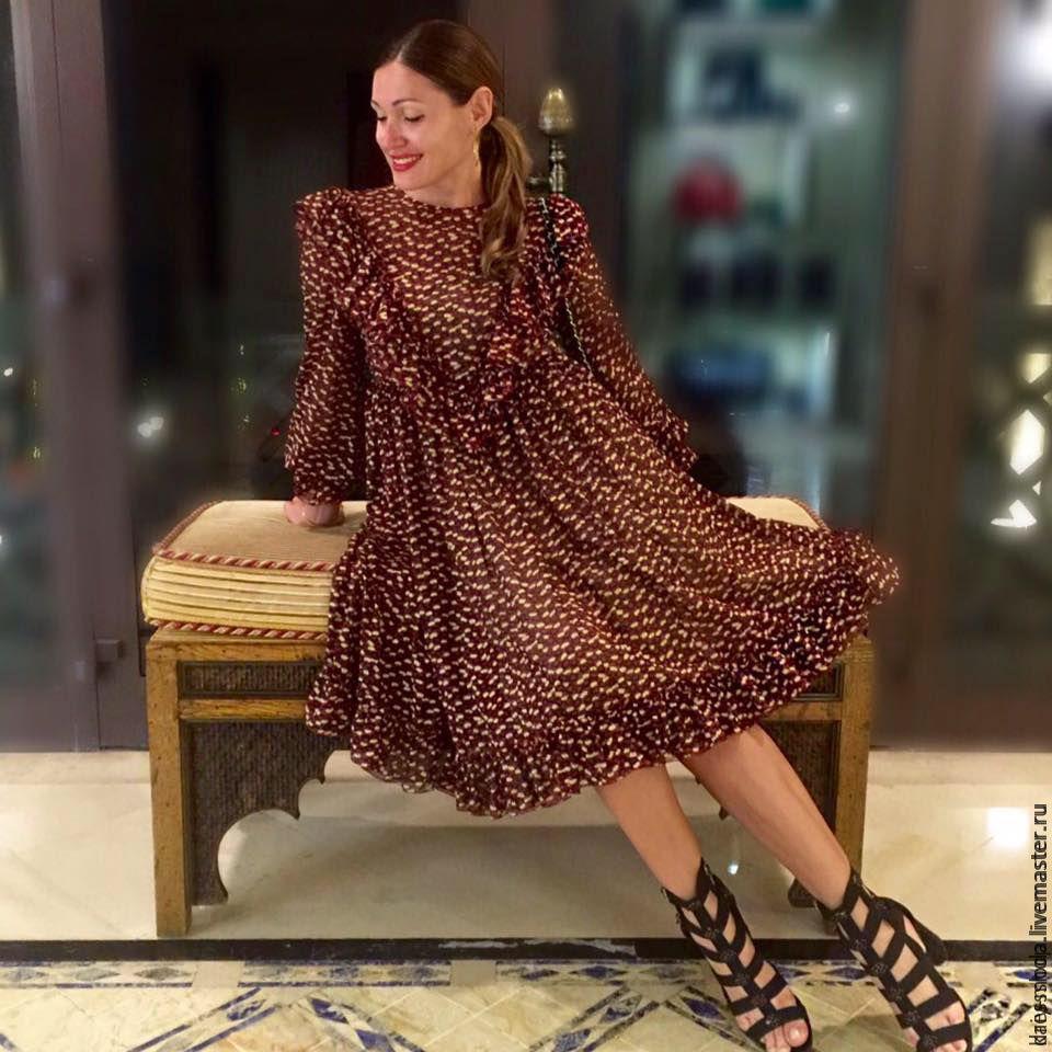 Шифоном платье оборками