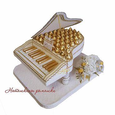 """Свадебный салон ручной работы. Ярмарка Мастеров - ручная работа Композиция из конфет """"Белый рояль"""". Handmade."""