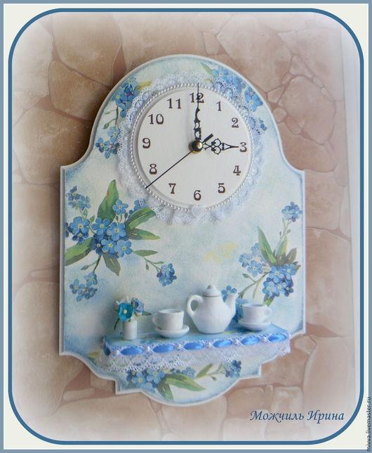 """Часы для дома ручной работы. Ярмарка Мастеров - ручная работа. Купить Часы с полочкой """"Незабудки"""". Handmade. Голубой, чаепитие, фурнитура"""