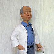 """Куклы и игрушки ручной работы. Ярмарка Мастеров - ручная работа Интерьерная кукла """"Семейный доктор"""". Handmade."""