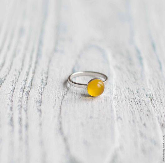 """Кольца ручной работы. Ярмарка Мастеров - ручная работа. Купить """"Светлячок""""  - кольцо с халцедоном. Handmade. Желтый, желтое кольцо, серебро"""