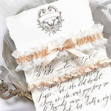 Свадебный салон ручной работы. Ярмарка Мастеров - ручная работа Комплект подвязок для невесты с кружевом и персиковой лентой. Handmade.