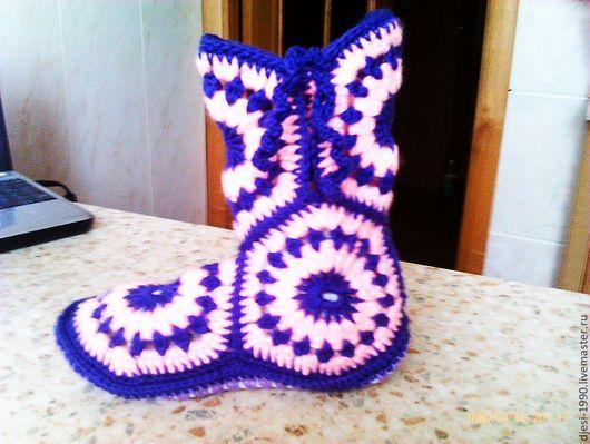 Тапочки-сапожки различных расцветок на войлочно-меховой подошве