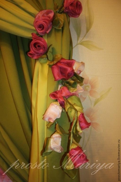фото оформления окна присланное клиентом.Декоративный элемет-веточка роз.