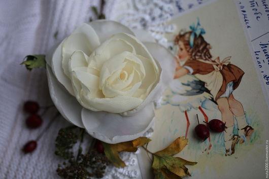 """Броши ручной работы. Ярмарка Мастеров - ручная работа. Купить Брошь """"Роза"""". Handmade. Брошь, цветок из ткани, фотосессия, роза"""