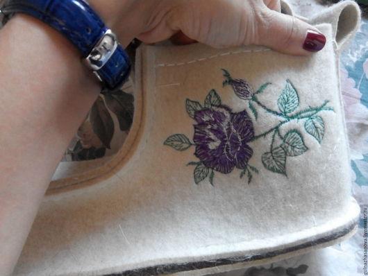 Обувь ручной работы. Ярмарка Мастеров - ручная работа. Купить Валеши. Handmade. Белый, тапочки из шерсти, войлок