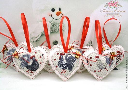 Новый год 2017 ручной работы. Ярмарка Мастеров - ручная работа. Купить Сердечко Петух из фетра Символ 2017 года Белый. Handmade.