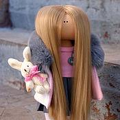 Куклы Тильда ручной работы. Ярмарка Мастеров - ручная работа Куклы Тильда: Малышка с зайкой. Handmade.
