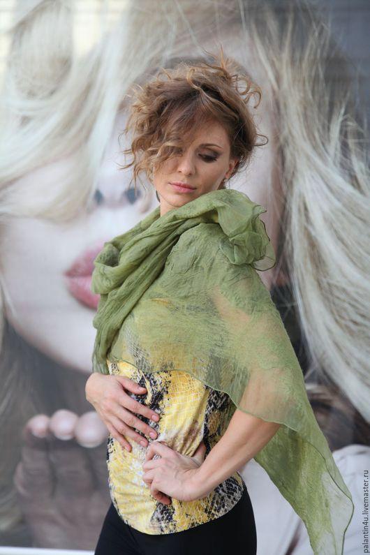 Шали, палантины ручной работы. Ярмарка Мастеров - ручная работа. Купить Шарф палантин оливкового цвета из шерсти и шелка. Handmade.