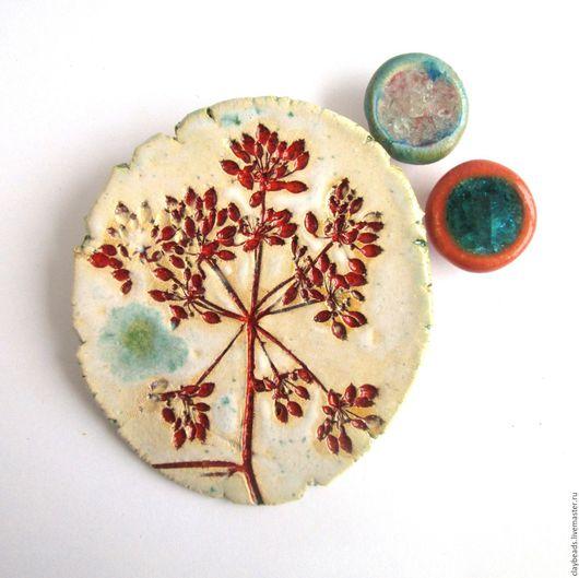 Броши ручной работы. Ярмарка Мастеров - ручная работа. Купить Hortus Botanicus: Дудник. Керамическая брошь. Handmade. Керамическая брошь