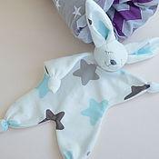 Куклы и игрушки ручной работы. Ярмарка Мастеров - ручная работа Зайка комфортер, игрушка для новорожденного. Handmade.