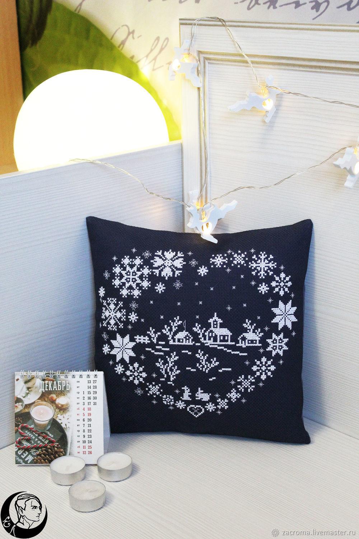 Новогодняя вышитая подушка, Подушки, Калуга,  Фото №1